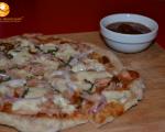 Pizza cu blat din faina integrala si ton
