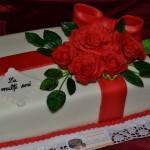 Tort cutie cadou – blat cacao si crema de ciocolata cu fructe 4.3 kg
